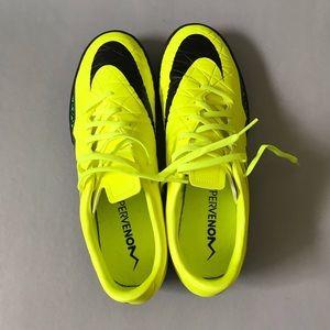 Nike Shoes - Nike Hypervenom Phelon II TF